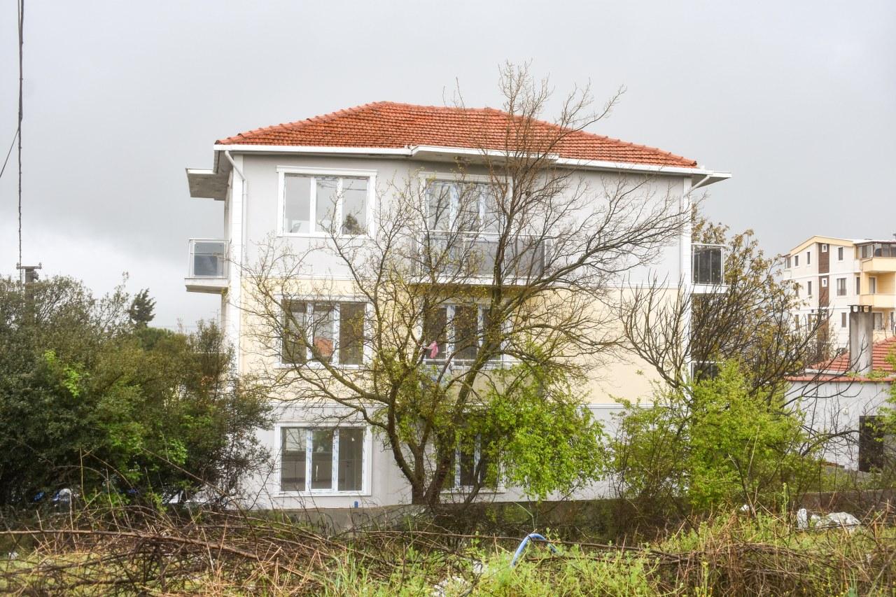 Çanakkale Ayvacık'ta Satılık Üç Daireli Sıfır Ayarında Apartman