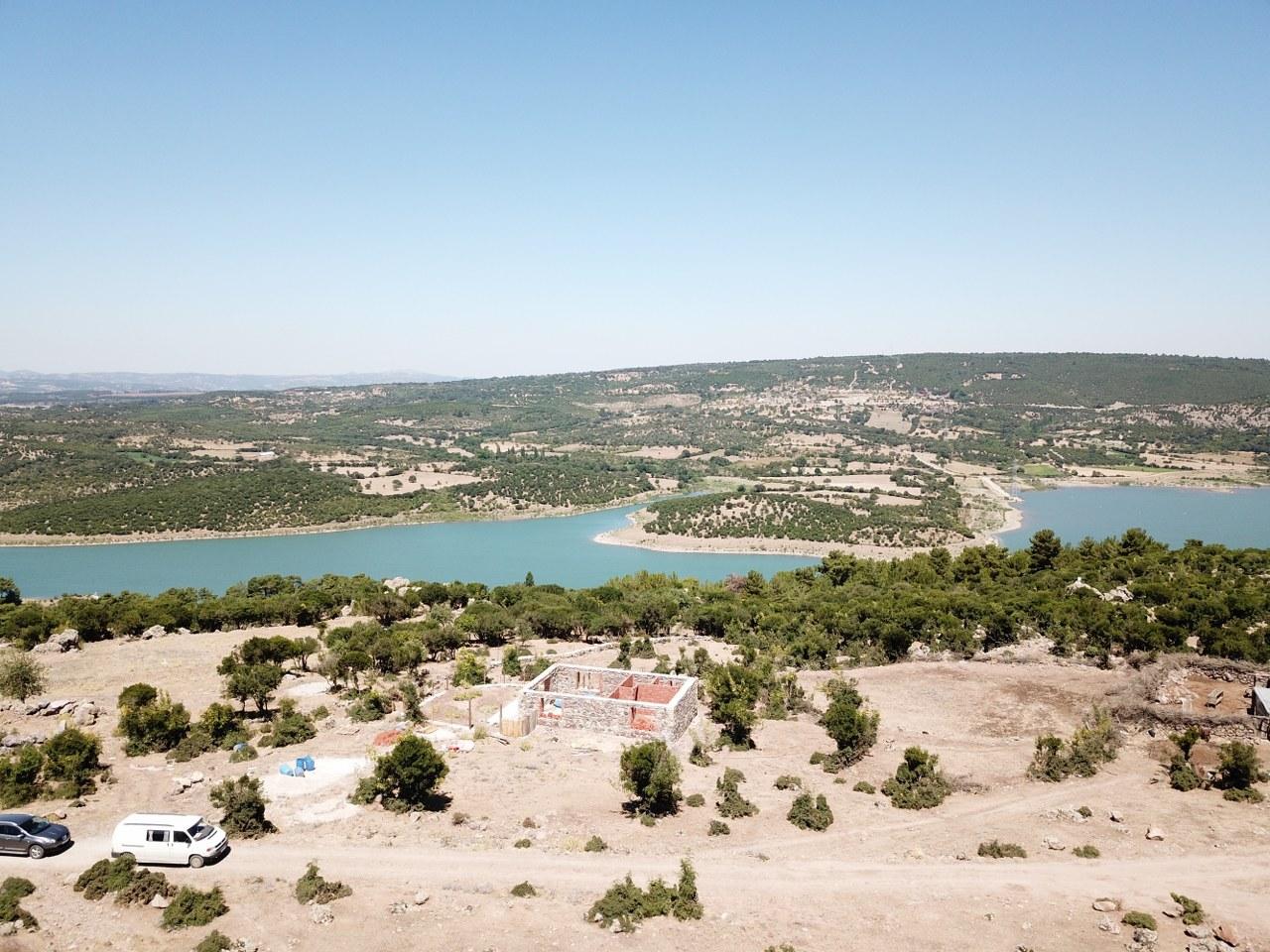 Ayvacık'da Çaltepe Mahallesi'nde Satılık Baraj Manzaralı Arsa