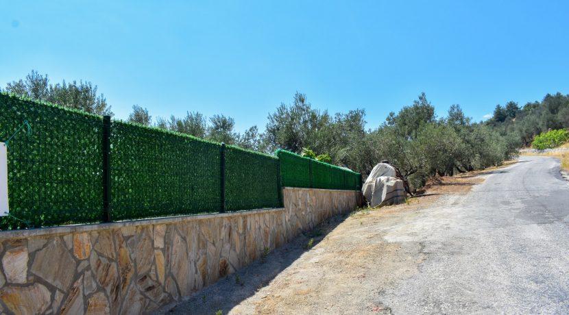 Adatepe Köyü'nde Satılık Dağ Evi
