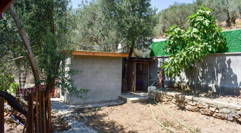 Adatepe Köyü'nde Satılık Dağ Evi (5)