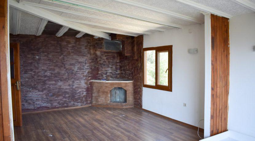 Adatepe Köyü'nde Satılık Dağ Evi (7)