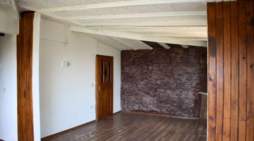 Adatepe Köyü'nde Satılık Dağ Evi (8)